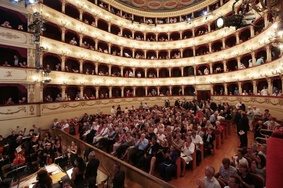Cultura USS primero el Teatro Municipal, ahora la magia de Italia