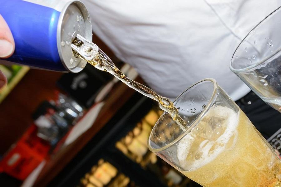 Las consecuencias de mezclar alcohol y bebidas energéticas